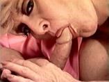 Une Dame mature retraitée se fait pilonner par un étudiant